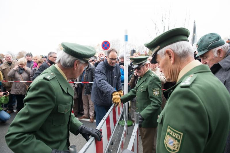 Symbolisch wurde die Grenze in Ullitz geschlossen