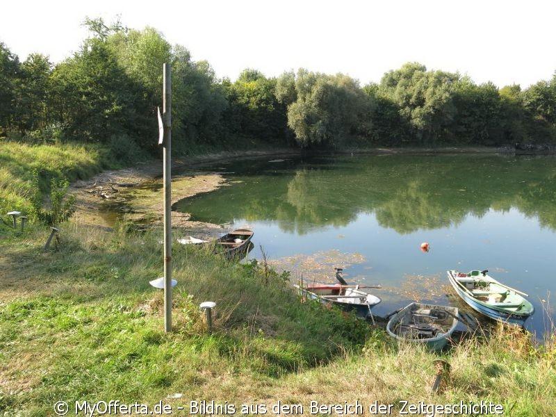 Insel Rott und der Rhein im Westen Deutschlands am 22.09.2020