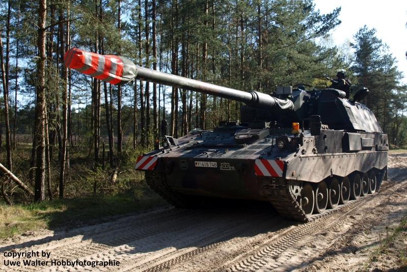 Panzerartilleriebataillon 215 auf dem Truppenübungsplatz Bergen