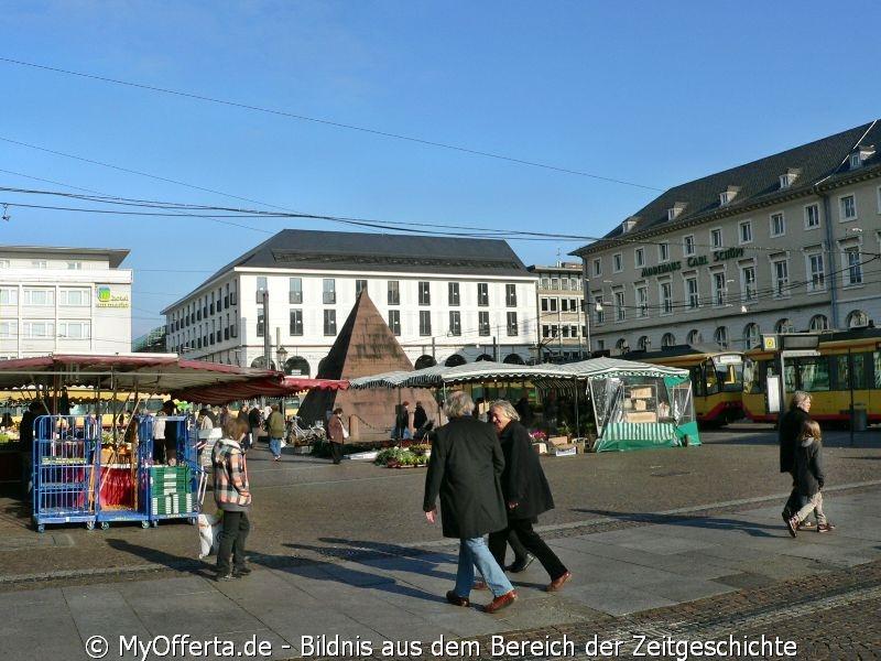 Tunnelbau an der Karlsruher Kriegsstraße, immer noch kein Anzeichen am Marktplatz 2011