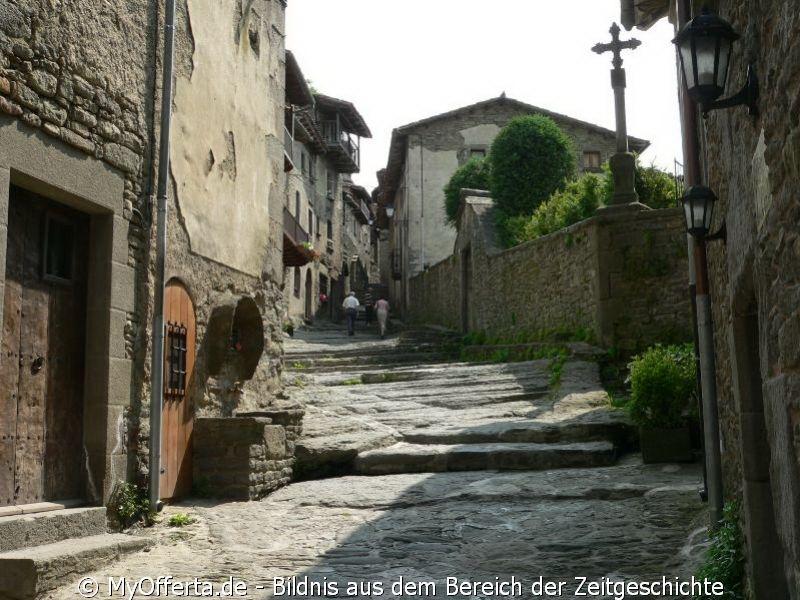 Rupit, ein Felsendorf in Spanien