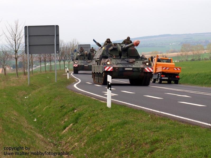 Panzerhaubitze 2000 auf dem Marsch